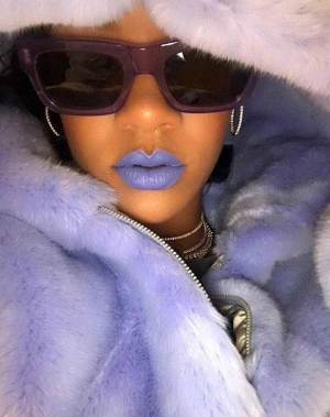 http_2F2Fbae.hypebeast.com2Ffiles2F20172F122Frihanna-fenty-beauty-lipstick-purple-preview-1
